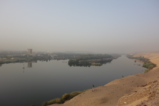 Der Nil in Assuan am frühen Morgen